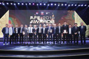Đội trưởng Trần Văn Vũ nhận giải thưởng cầu thủ Futsal của năm do AFF trao tặng